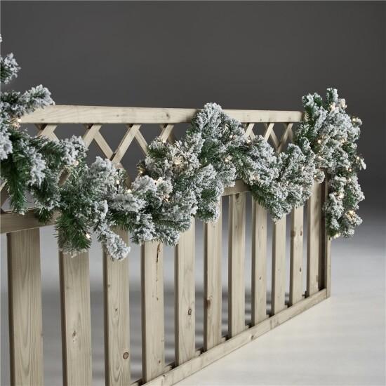 Kunstig granguirlande 270 cm med sne og lys